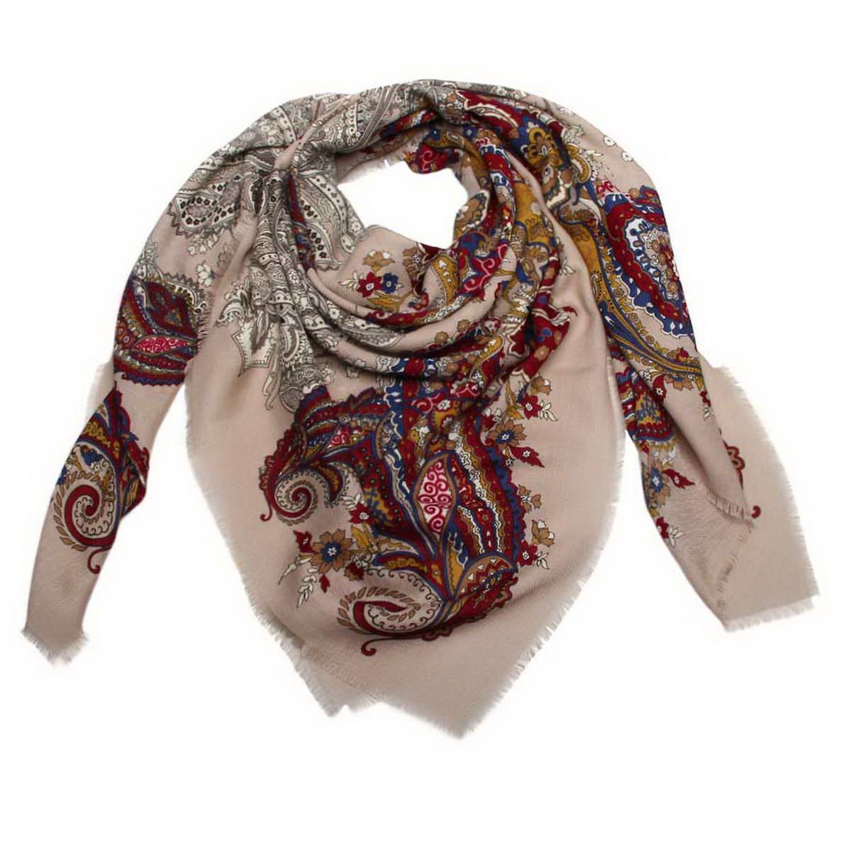 Платок женский Venera, цвет: бежевый, темно-синий, бордовый. 6000452-20. Размер 120 см х 120 см6000452-20Стильный женский платок Venera станет великолепным завершением любого наряда. Платок изготовлен из полиэстера и оформлен оригинальным принтом. Края изделия дополнены бахромой.Классическая квадратная форма позволяет носить платок на шее, украшать им прическу или декорировать сумочку. Легкий и приятный на ощупь платок поможет вам создать изысканный женственный образ. Такой платок превосходно дополнит любой наряд и подчеркнет ваш неповторимый вкус и элегантность.