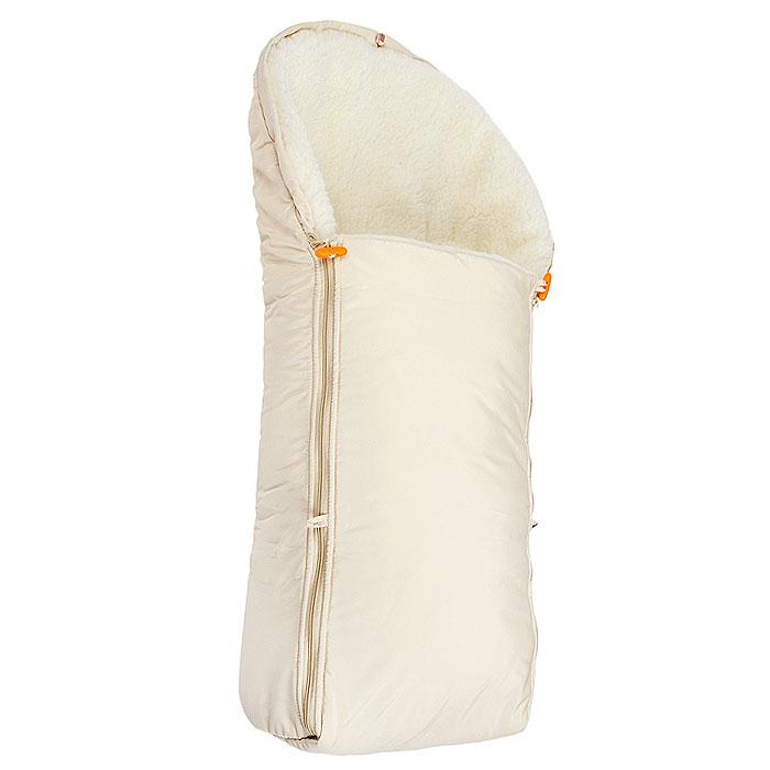 Конверт в коляску Чудо-Чадо, цвет: бежевый. ККМ01-000. Размер универсальныйККМ01-000Теплый меховой конверт Чудо-Чадо порадует даже самых требовательных мам и согреет малыша в любую зимнюю стужу. Эта модель застегивается на две боковые застежки-молнии, за счет чего значительно упрощается процесс одевания. Кроме того, конверт заменит лишние теплые кофточки и штанишки, и, значит, свободу малыша ничто не будет ограничивать. А если ваш малыш свободолюбив, и любит сидеть с высунутыми ручками, молнии можно немного расстегнуть, оставив застегнутой верхнюю пуговичку. При этом ручки свободны, а ребенок надежно укрыт! Верхний водоотталкивающий и непродуваемый слой конверта защитит малыша от мокрого снега и ветра. Это подарит ощущение комфорта во время прогулок в ненастную погоду. Внутренняя часть - натуральный мех (овечий чес) и двуслойный синтепон - дадут почувствовать мягкость и уют даже в самую плохую погоду. Конверт легко стирается, быстро сохнет. Конверт можно использовать как в коляске-люльке, так и в прогулочной сидячей коляске, а также в автомобильном кресле и санках. К спинке носителя он надежно закрепляется эластичными ремешками на кнопках, которые не дают сползти конверту вниз, они легко отстегиваются, если вы используете конверт как люльку.Капюшон легко затягивается на кулиску. Конверт упакован в прозрачную сумочку с ручками, которую в дальнейшем можно использовать для хранения детских вещичек или игрушек.