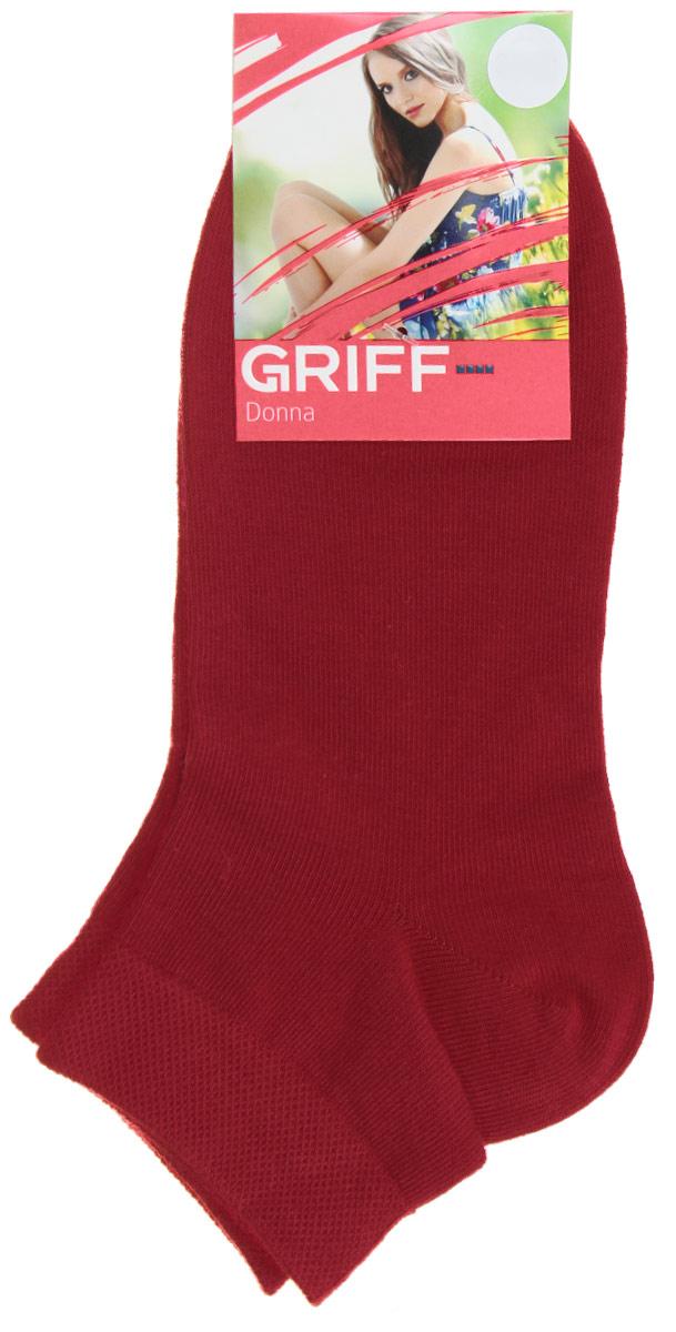 Носки женские Griff Donna, цвет: красный. D4U3. Размер 35/38D4U3Женские укороченные носки Griff изготовлены из высококачественного сырья. Однотонные носки очень мягкие на ощупь, а широкая резинка плотно облегает ногу, не сдавливая ее, благодаря чему вам будет комфортно и удобно. Усиленная пятка и мысок обеспечивают надежность и долговечность.