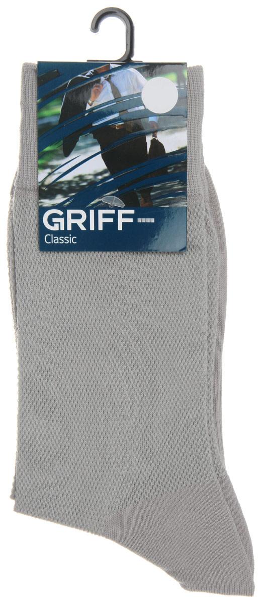 Носки мужские Griff Classic, цвет: серый. B35. Размер 42/44B35Мужские носки Griff Classic, вывязанные техникой платировки, изготовлены из высококачественного сырья с добавлением полиамидных волокон, которые обеспечивают великолепную посадку. Носки отличаются элегантным внешним видом. Удобная широкая резинка идеально облегает ногу и не пережимает сосуды, усиленные пятка и мысок повышают износоустойчивость носка, а удлиненный паголенок придает более эстетичный вид.