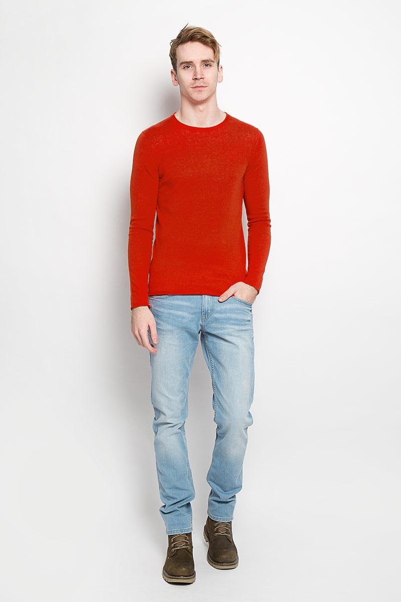 Джемпер мужской Tom Tailor, цвет: красный. 3020715.00.15. Размер M (48)3020715.00.15Вязаный мужской джемпер Tom Tailor, выполненный из хлопка с добавлением льна, приятен на ощупь, не сковывает движения, обеспечивая наибольший комфорт. Модель с круглым вырезом горловины и длинными рукавами - идеальный вариант для создания стильного образа. Горловина связана резинкой. Низ рукавов, горловина и низ изделия не обработаны.Этот модный джемпер станет отличным дополнением вашего гардероба.