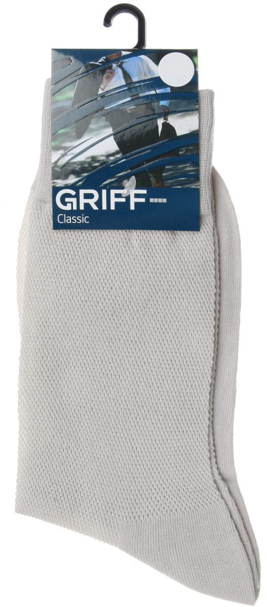 Носки мужские Griff Classic, цвет: светло-серый. B35. Размер 42/44B35Мужские носки Griff Classic изготовлены из высококачественного сырья с добавлением полиамидных и эластичных волокон, которые обеспечивают великолепную посадку. Носки отличаются элегантным внешним видом. Удобная широкая резинка идеально облегает ногу и не пережимает сосуды, усиленные пятка и мысок повышают износоустойчивость носка, а удлиненный паголенок придает более эстетичный вид.