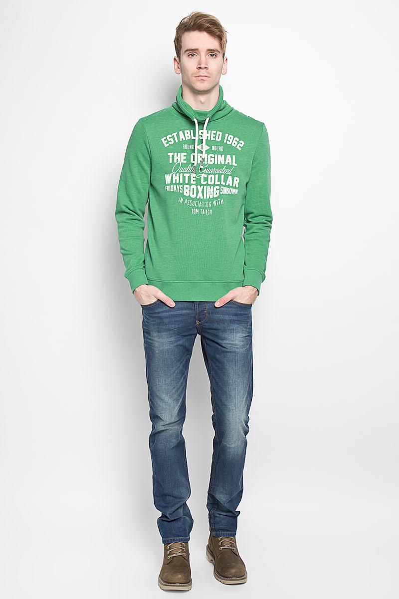 Толстовка мужская Tom Tailor, цвет: зеленый. 2529867.00.10. Размер M (48)2529867.00.10Стильная мужская толстовка Tom Tailor, изготовленная из высококачественного материала, необычайно мягкая и приятная на ощупь, не сковывает движения, обеспечивая наибольший комфорт. Лицевая сторона изделия имеет гладкую структуру, изнаночная - небольшой мягкий ворс.Толстовка имеет резинки по низу и манжетам, что предотвращает проникновение холодного воздуха. Объем высокого воротника стойки регулируется при помощи шнурка. Спереди толстовка оформлена принтовыми надписями.Эта модная и в то же время комфортная толстовка отличный вариант как для активного отдыха, так и для занятий спортом!