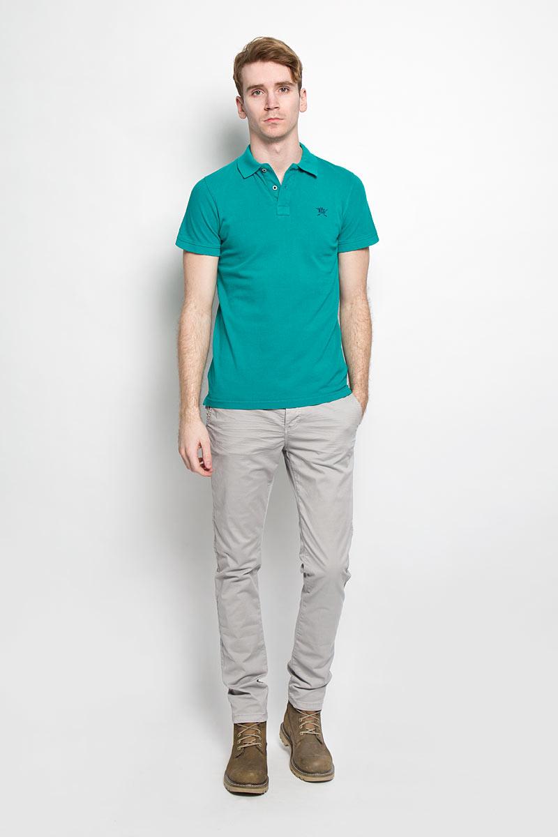 Поло мужское Broadway, цвет: бирюзовый. 20100096 658. Размер M (48)20100096 658Стильная мужская футболка-поло Broadway, выполненная из высококачественного хлопка, обладает высокой теплопроводностью, воздухопроницаемостью и гигроскопичностью, позволяет коже дышать.Модель с короткими рукавами и отложным воротником - идеальный вариант для создания оригинального современного образа. Сверху футболка-поло застегивается на две пуговицы. Воротник и манжеты рукавов выполнены из трикотажной резинки. По бокам модели предусмотрены небольшие разрезы. Модель оформлена на груди небольшой вышивкой в виде логотипа производителя.Такая модель подарит вам комфорт в течение всего дня и послужит замечательным дополнением к вашему гардеробу.