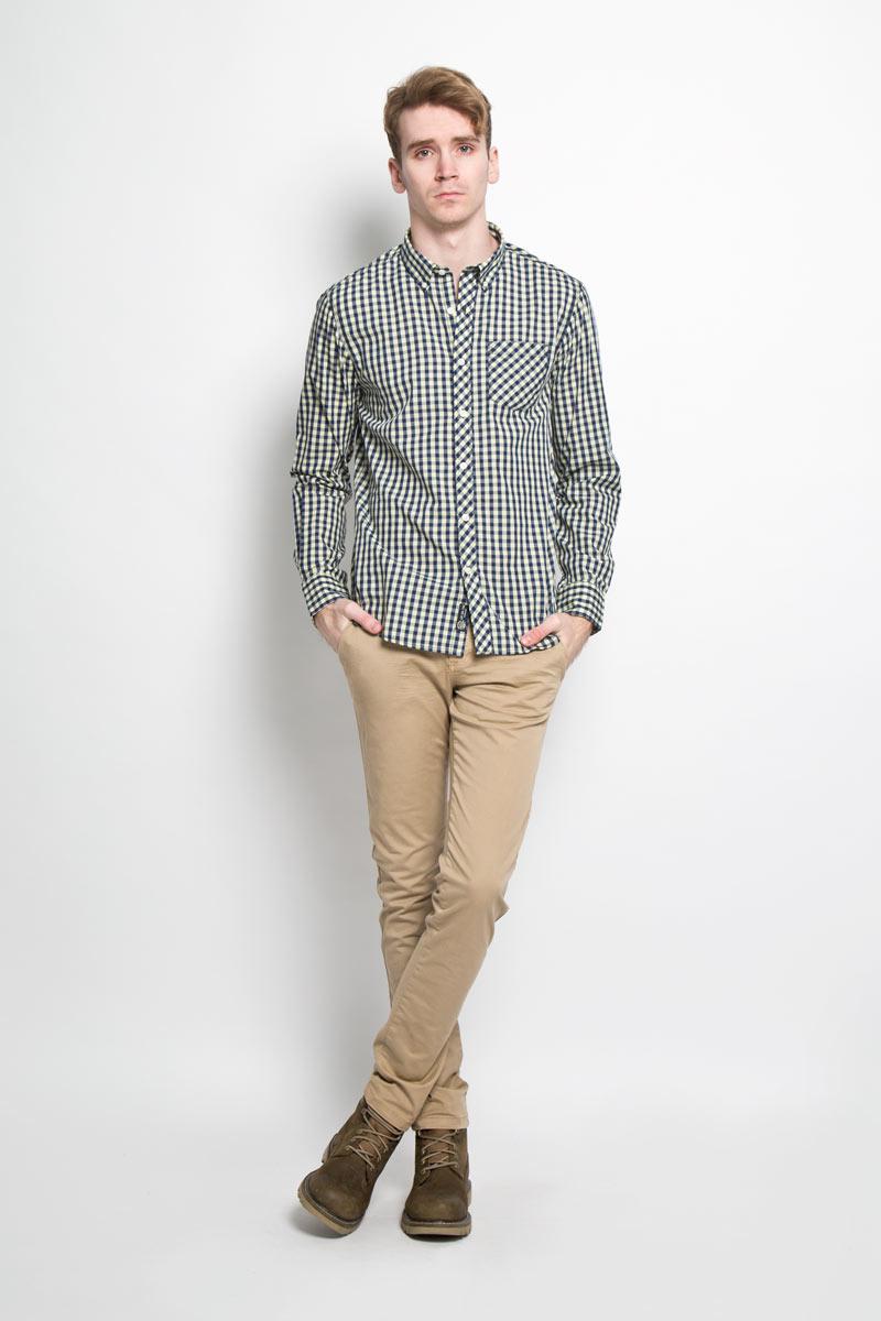 Рубашка мужская Broadway, цвет: светло-желтый, темно-синий. 20100064 141. Размер M (48)20100064 141Стильная мужская рубашка Broadway, изготовленная из высококачественного хлопка с добавлением полиэстера, необычайно мягкая и приятная на ощупь, не сковывает движения и позволяет коже дышать, обеспечивая наибольший комфорт.Модная рубашка с отложным воротником, длинными рукавами и полукруглым низом застегивается на пластиковые пуговицы. Модель оформлена принтом в клетку и на груди слева дополнена накладным карманом. Рукава рубашки дополнены манжетами на пуговицах. Уголки воротника фиксируются при помощи пуговиц. Эта рубашка идеальный вариант для повседневного гардероба.Такая модель порадует настоящих ценителей комфорта и практичности!