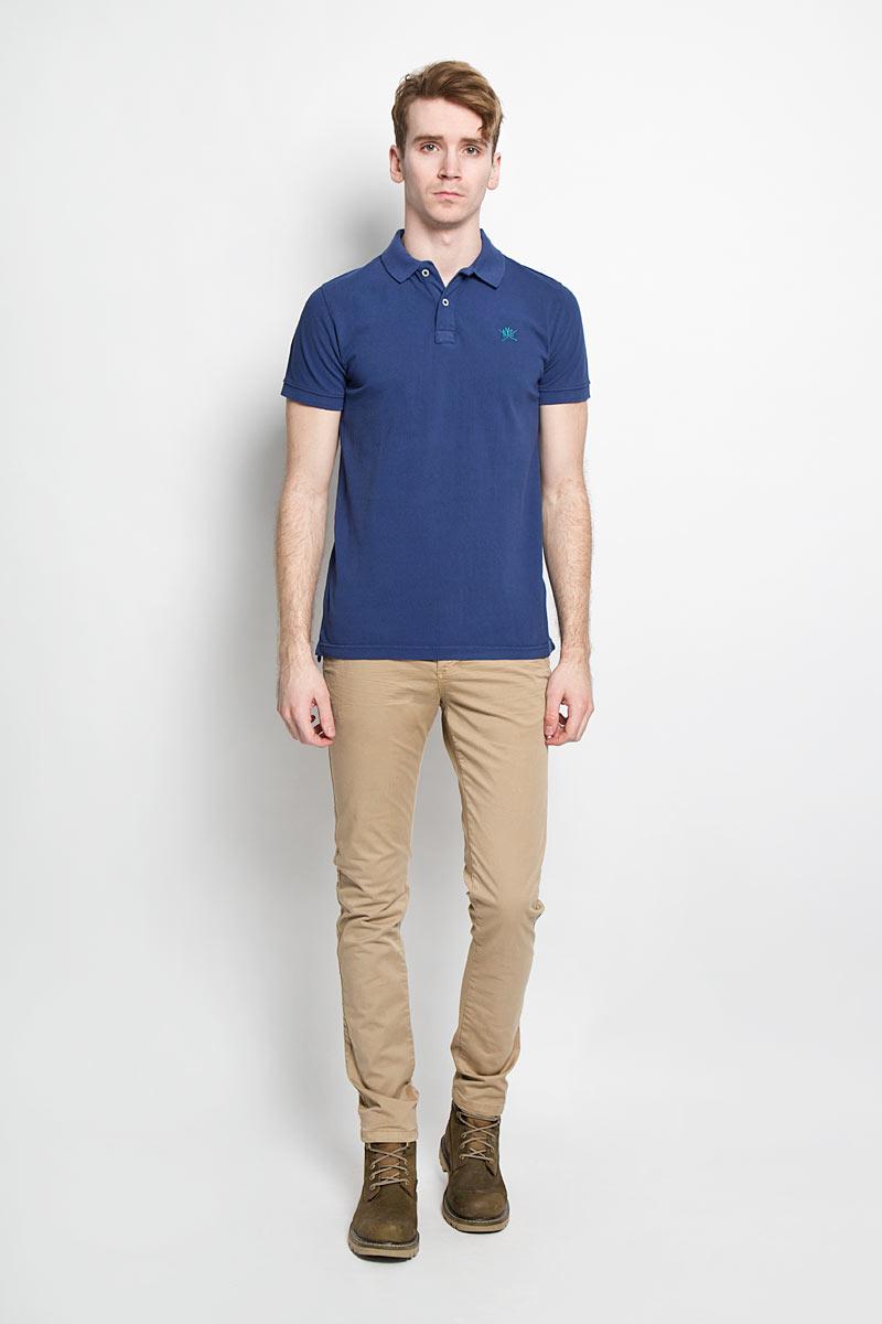 Поло мужское Broadway, цвет: синий. 20100096 582. Размер L (50)20100096 582Стильная мужская футболка-поло Broadway, выполненная из высококачественного хлопка, обладает высокой теплопроводностью, воздухопроницаемостью и гигроскопичностью, позволяет коже дышать.Модель с короткими рукавами и отложным воротником - идеальный вариант для создания оригинального современного образа. Сверху футболка-поло застегивается на две пуговицы. Воротник и манжеты рукавов выполнены из трикотажной резинки. По бокам модели предусмотрены небольшие разрезы. Модель оформлена на груди небольшой вышивкой в виде логотипа производителя.Такая модель подарит вам комфорт в течение всего дня и послужит замечательным дополнением к вашему гардеробу.