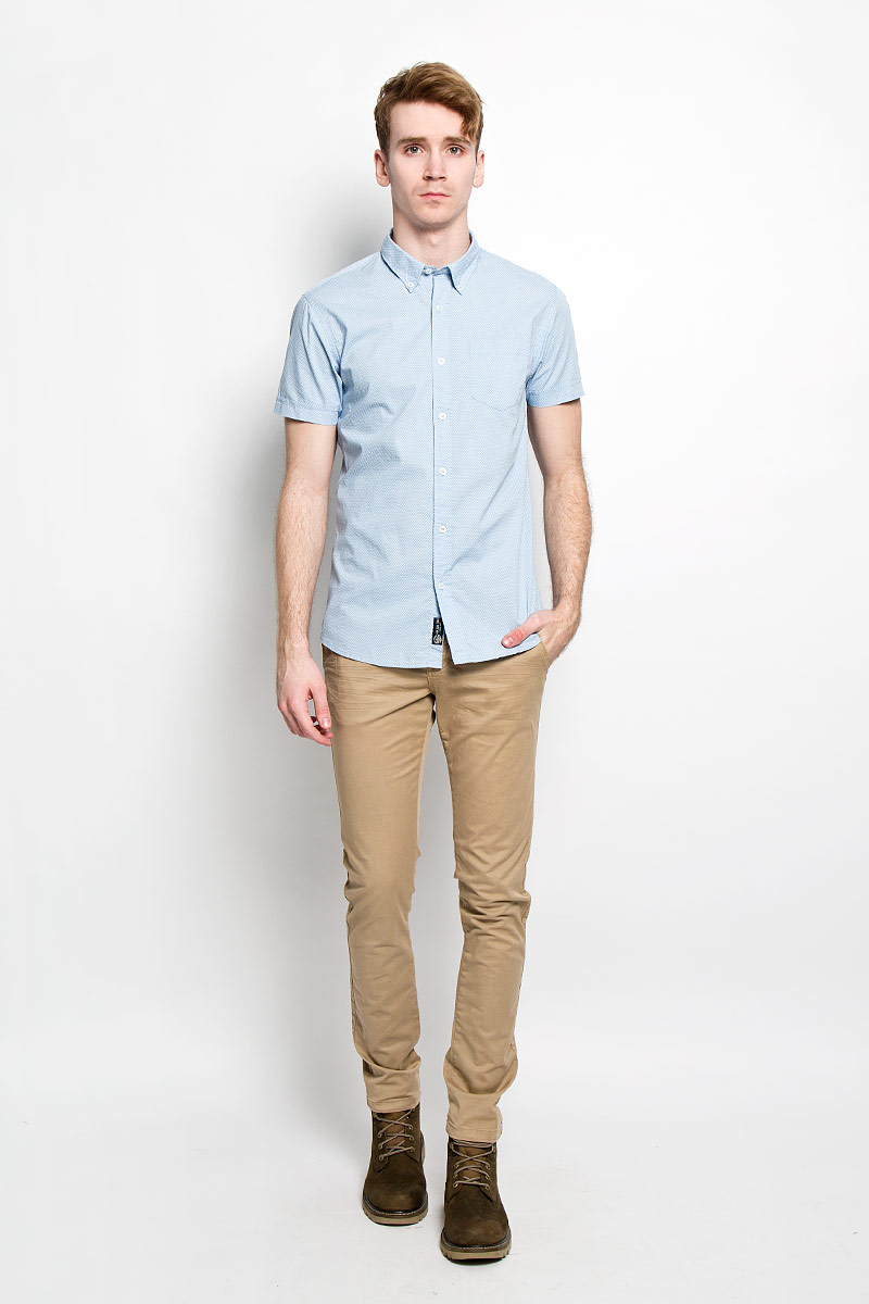 Рубашка мужская Broadway Cesar, цвет: голубой, белый. 20100030 530. Размер L (50)20100030 530Стильная мужская рубашка Broadway Cesar выполненная из натурального хлопка, обладает высокой теплопроводностью, воздухопроницаемостью и гигроскопичностью, позволяет коже дышать, тем самым обеспечивая наибольший комфорт при носке даже самым жарким летом. Рубашка прямого кроя с короткими, полукруглым низом и отложным воротником застегивается на пуговицы. Модель оформлена рисунком в мелкий крестик и дополнена небольшим накладным карманом на груди.Такая рубашка будет дарить вам комфорт в течение всего дня и послужит замечательным дополнением к вашему гардеробу.