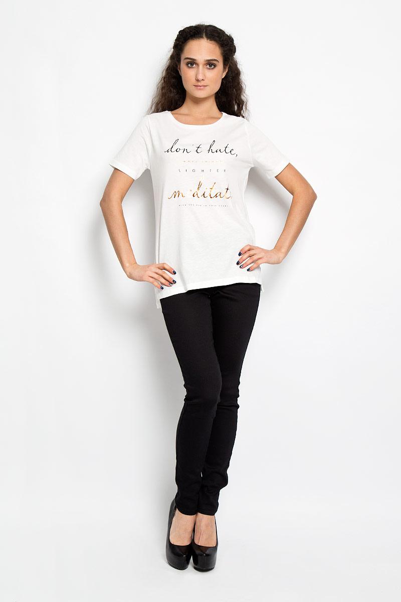 Футболка женская Broadway Bonny, цвет: белый. 10156043 01A. Размер L (48)10156043 01AСтильная женская футболка Broadway Bonny, выполненная из высококачественного хлопка с вискозой, обладает высокой теплопроводностью, воздухопроницаемостью и гигроскопичностью, позволяет коже дышать. Модель с короткими рукавами и круглым вырезом - идеальный вариант для создания образа в стиле Casual. Футболка оформлена принтовой надписью на английском языке.Такая модель подарит вам комфорт в течение всего дня и послужит замечательным дополнением к вашему гардеробу.