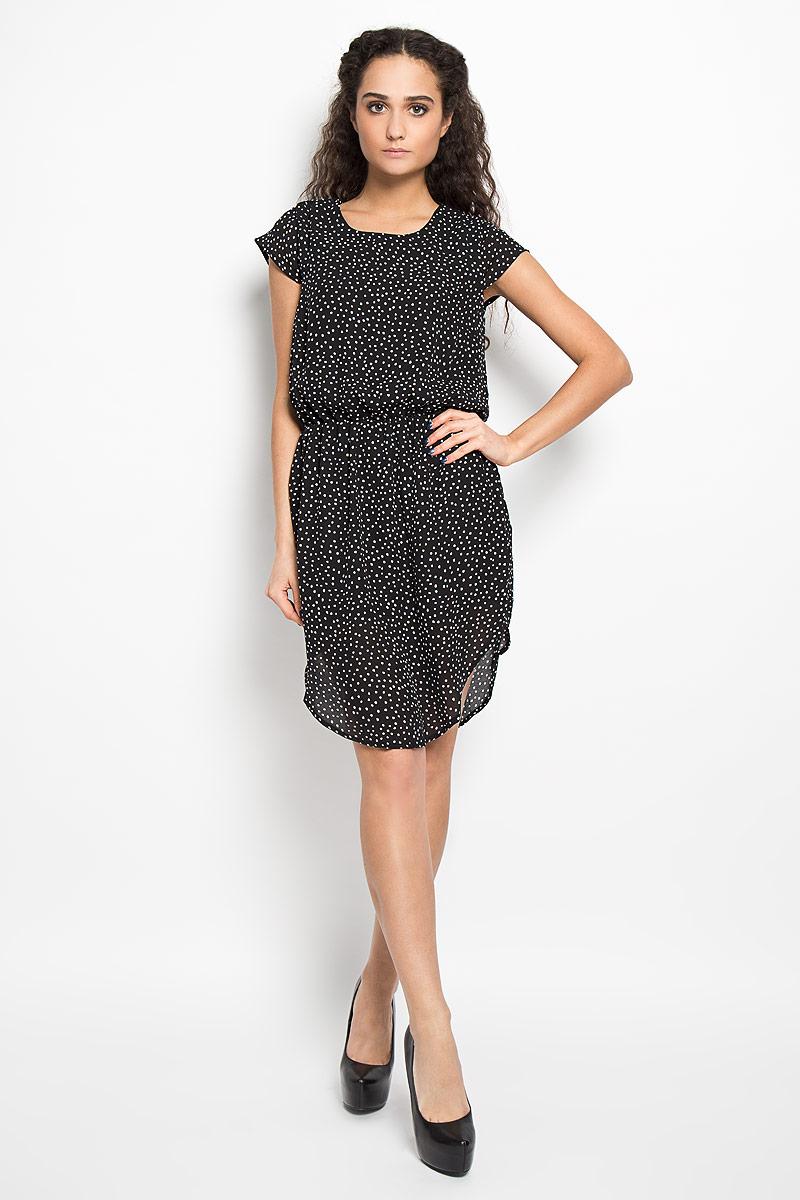 Платье Broadway Belina, цвет: черный, белый. 10156075 999. Размер L (48)10156075 999Модное легкое платье Broadway Belina, выполненное из 100% полиэстера с подкладкой - прекрасный вариант для модных женщин, желающих подчеркнуть свою индивидуальность и хороший вкус.Модель с круглым вырезом горловины, закругленным низом и короткими рукавами со сборкой. Платье оформлено оригинальным пестрым принтом и застёгивается на пуговицу на спинке. Линию талии подчеркивает эластичная резинка.Лаконичный дизайн и совершенство стиля подчеркнут вашу индивидуальность.