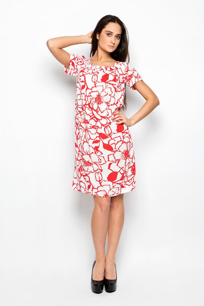 Платье Baon, цвет: красный, белый, бежевый. B456087. Размер S (44)B456087Платье Baon станет ярким и стильным дополнением к вашему гардеробу. Изделие выполнено из мягкой вискозы, приятное к телу, не сковывает движения и хорошо вентилируется.Модель свободного силуэта с короткими рукавами-реглан имеет эластичный вырез горловины, который позволяет импровизировать с вариантами ношения. Это может быть вырез Анжелика с открытыми плечами или круглый вырез горловины. Изделие оформлено крупным цветочным принтом.Это эффектное платье поможет создать привлекательный женственный образ.