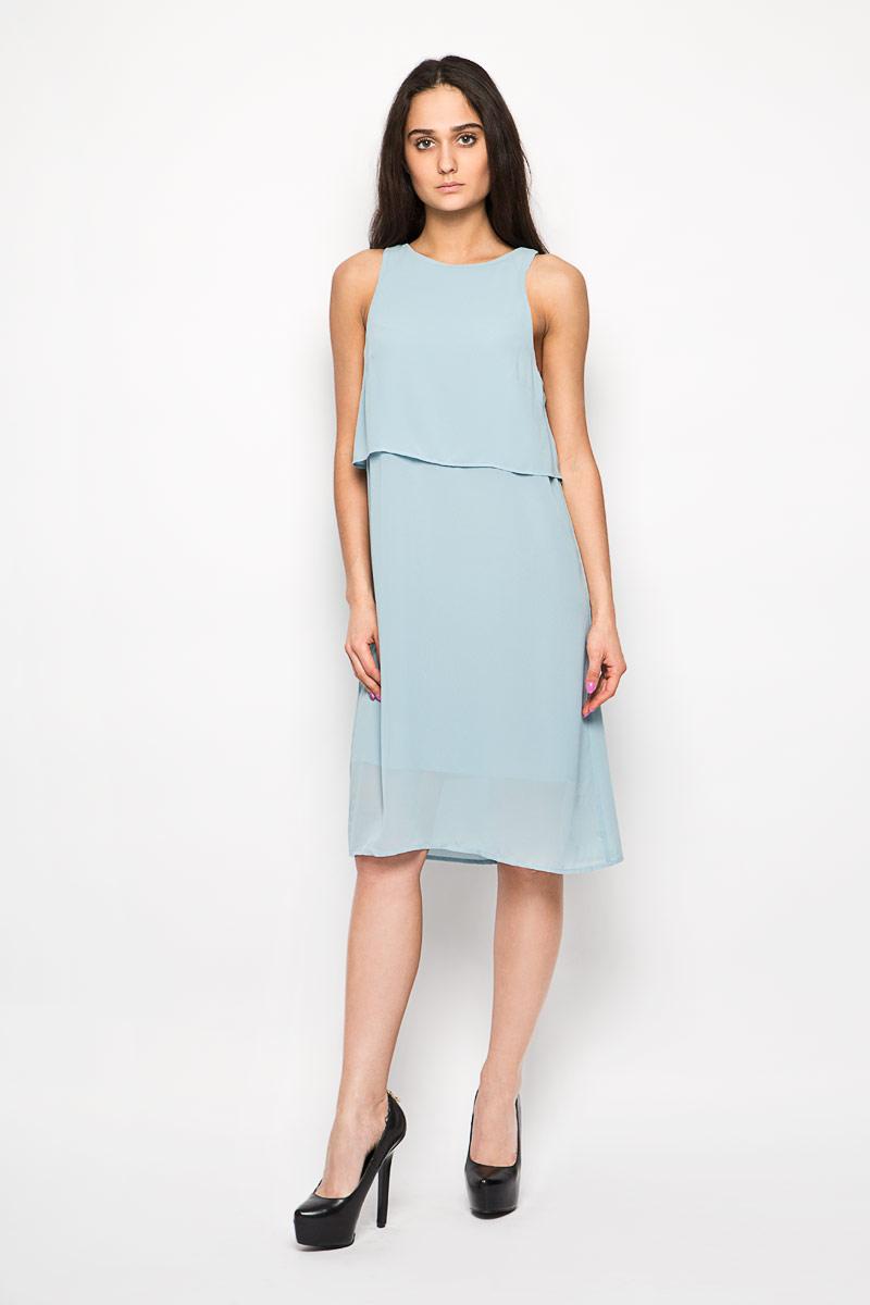 Платье Glamorous, цвет: серо-голубой. AC0273. Размер S (44)AC0273 LIGHT BLUEЭлегантное и невероятно легкое платье Glamorous, выполненное из полупрозрачного материала, преподносит все достоинства женской фигуры в наиболее выгодном свете. Модель прямого силуэта, без рукавов и с круглым вырезом горловины на спинке застегивается петлей на пуговицу. В верхней части платье дополнено оригинальным отлетным лифом. Спинка по линии горловины дополнена небольшим разрезом. Благодаря свойствам используемого материала изделие практически не сминается.В таком наряде вы безусловно привлечете восхищенные взгляды окружающих. Это яркое платье станет отличным дополнением к вашему гардеробу!