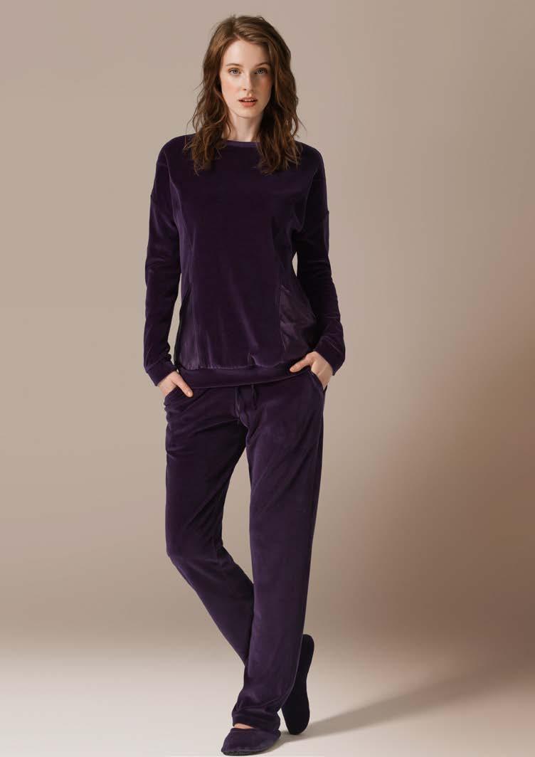Комплект женский CatherineS: толстовка, брюки, цвет: фиолетовый. 71417. Размер XXL (52)