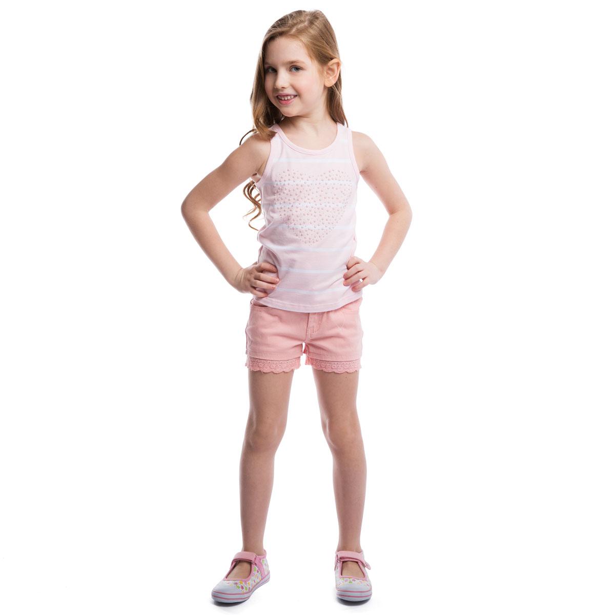 Шорты для девочки PlayToday, цвет: светло-розовый. 262006. Размер 98, 3 года262006Модные шорты для девочки PlayToday идеально подойдут вашей маленькой принцессе. Изготовленные из эластичного хлопка, они мягкие и приятные на ощупь, не сковывают движения и позволяют коже дышать. Шорты застегиваются на поясе на металлическую кнопку и имеют ширинку на застежке-молнии, а также шлевки для ремня. При необходимости пояс можно утянуть скрытой резинкой на пуговках. У модели спереди два втачных кармана и сзади два накладных кармана. Изделие декорировано кружевными вставками. В таких шортах ваша принцесса будет чувствовать себя комфортно и всегда будет в центре внимания!