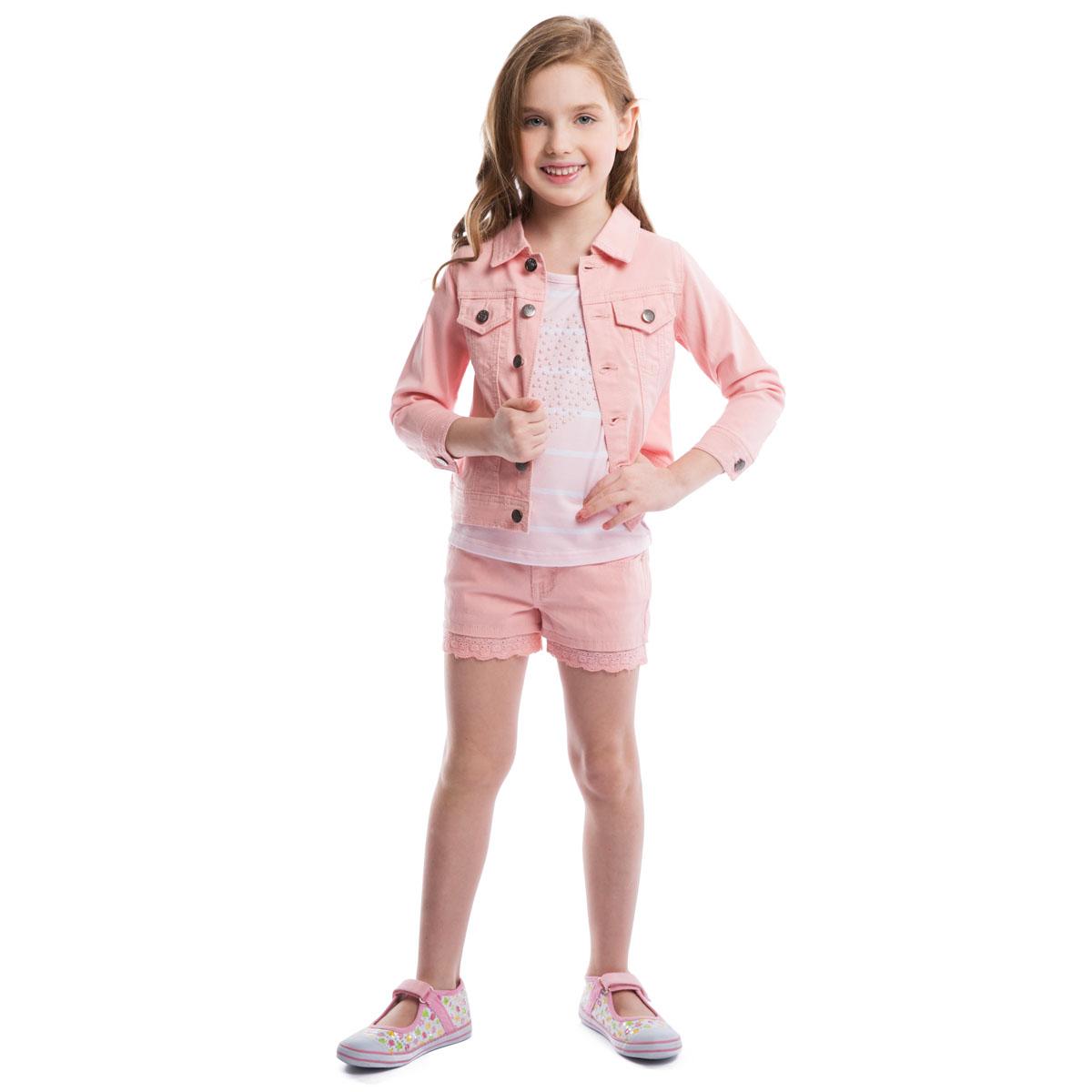 Куртка для девочки PlayToday, цвет: светло-розовый. 262001. Размер 98, 3 года262001Куртка для девочки PlayToday, выполненная из эластичного хлопка, необычайно мягкая и приятная на ощупь, не сковывает движения ребенка и позволяет коже дышать, не раздражает даже самую нежную и чувствительную кожу, обеспечивая малышке наибольший комфорт. Куртка с отложным воротником и рукавами 3/4 застегивается на металлические пуговицы с выгравированной клубничкой. Манжеты рукавов также застегиваются на пуговицы. Спереди модель дополнена двумя прорезнымикармашками, закрывающимися клапанами на пуговицах. Низ изделия по бокам декорирован хлястиками на пуговицах. Оригинальный современный дизайн и модная расцветка делают эту куртку стильным предметом детского гардероба. В ней ваша малышка будет чувствовать себя уютно и комфортно и всегда будет в центре внимания!
