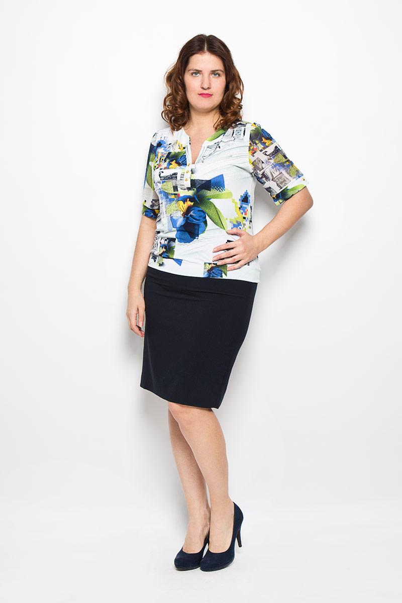Блузка женская Milana Style, цвет: белый, синий, зеленый. 1311-622м . Размер 501311-622мОригинальная женская блузка Milana Style, выполненная из высококачественного материала, подчеркнет ваш уникальный стиль и поможет создать оригинальный женственный образ. Материал очень легкий, мягкий и приятный на ощупь, не сковывает движения и хорошо вентилируется. Блузка с короткими рукавами и круглым вырезом горловины оформлена оригинальным принтом. Вырез горловины дополнен разрезом и имитацией застежки на пуговицы. Рукава из полупрозрачного материала фиксируются на эластичные манжеты с пуговицами.Такая блузка будет дарить вам комфорт в течение всего дня и послужит замечательным дополнением к вашему гардеробу.