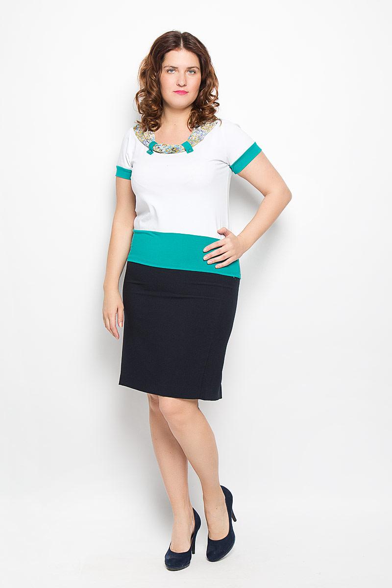 Блузка женская Milana Style, цвет: белый, бирюзовый. 1713-612м. Размер 481713-612мБлузка Milana Style, выполненная из мягкой эластичной вискозы, прекрасно дополнит ваш образ. Материал приятный на ощупь, не сковывает движения и хорошо вентилируется. Блузка с короткими рукавами имеет круглый вырез горловины, который декорирован тонкой принтованной тканью, собранной при помощи хлястиков с пуговицами. Рукава и низ изделия дополнены вставками контрастного цвета.Такая модель будет дарить вам комфорт в течение всего дня, а также послужит замечательным дополнением к гардеробу.