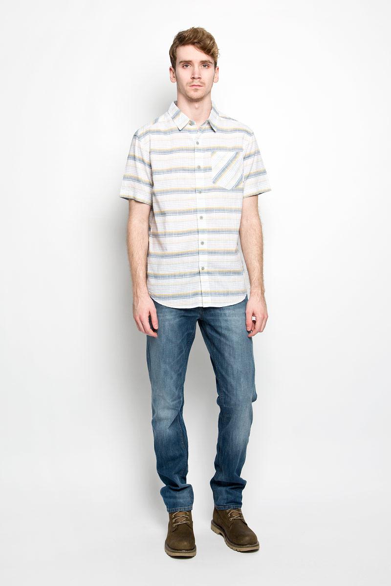 Рубашка мужская Columbia Katchor II SS Shirt, цвет: белый, серый, бежевый. 1577771-737. Размер XL (54)1577771-737Мужская рубашка Columbia Katchor II SS Shirt, выполненная из натурального хлопка, прекрасно подойдет для повседневной носки. Материал очень легкий, мягкий и приятный на ощупь, не сковывает движения и позволяет коже дышать. Рубашка свободного кроя с отложным воротником и короткими рукавами застегивается на пуговицы по всей длине. На груди предусмотрен накладной карман. Такая модель будет дарить вам комфорт в течение всего дня и станет стильным дополнением к вашему гардеробу.