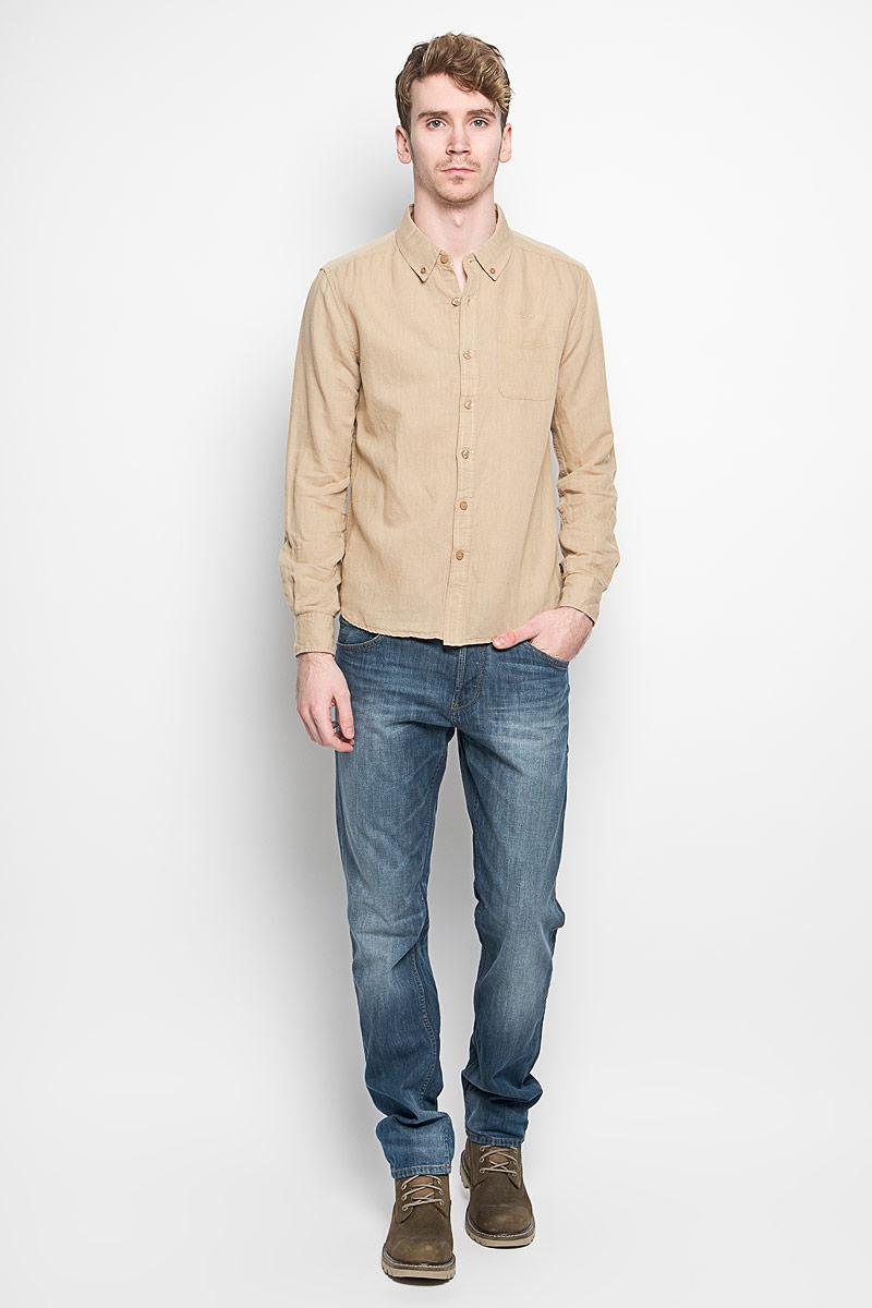 Рубашка мужская MeZaGuZ, цвет: песочный. Dalton. Размер M (48)Dalton_SafariМодная мужская рубашка MeZaGuZ, изготовленная из хлопка и льна, прекрасно подойдет для повседневной носки. Изделие очень мягкое и приятное на ощупь, не сковывает движения и хорошо пропускает воздух. Рубашка с отложным воротником и длинными рукавами застегивается на пуговицы по всей длине. Манжеты на рукавах также имеют застежки-пуговицы. На груди расположен накладной карман. Изделие украшено вышитой надписью с названием бренда. Такая модель будет дарить вам комфорт в течение всего дня и станет стильным дополнением к вашему гардеробу.