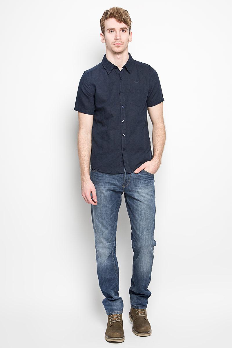 Рубашка мужская MeZaGuZ, цвет: темно-синий. Cambodge. Размер M (48)Cambodge_Blue NightМодная мужская рубашка MeZaGuZ, изготовленная из хлопка и льна, прекрасно подойдет для повседневной носки. Изделие очень мягкое и приятное на ощупь, не сковывает движения и хорошо пропускает воздух. Рубашка с отложным воротником и короткими рукавами застегивается на пуговицы по всей длине. На груди расположен накладной карман. Изделие украшено вышитой надписью с названием бренда. Такая модель будет дарить вам комфорт в течение всего дня и станет стильным дополнением к вашему гардеробу.