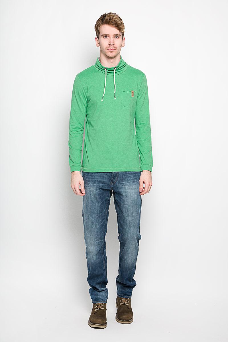 Свитшот мужской Tom Tailor, цвет: ярко-зеленый. 1033932.00.10_7397. Размер L (50)1033932.00.10_7397Стильный мужской свитшот Tom Tailor изготовленный из хлопка с добавлением полиэстера, необычайно мягкий и приятный на ощупь, не сковывает движения, обеспечивая наибольший комфорт. Модель с воротником-хомутом и длинными рукавами дополнена на груди небольшим накладным кармашком, а сзади небольшой нашивкой с названием бренда. Рукава по низу оформлены эластичной манжетой. Воротник дополнен кулиской. Эта модная и в то же время комфортная модель - отличный вариант как для активного отдыха, так и для занятий спортом.