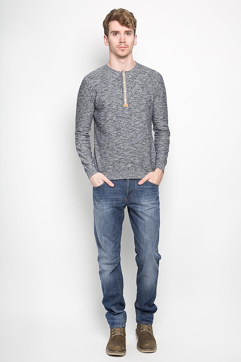 Джемпер мужской Tom Tailor, цвет: темно-синий меланж. 3020923.00.10_6593. Размер M (48)3020923.00.10_6593Вязаный мужской джемпер Tom Tailor выполненный из натурального хлопка, приятный на ощупь, не сковывает движения, обеспечивая наибольший комфорт. Модель с круглым вырезом горловины и длинными рукавами - идеальный вариант для создания стильного образа. Горловина, низ рукавов и низ изделия связаны резинкой. Спереди джемпер застегивается на четыре пуговицы.Этот модный джемпер станет отличным дополнением вашего гардероба.