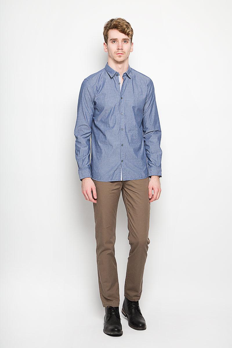 Рубашка мужская Tom Tailor, цвет: синий. 2031531.00.10_6000. Размер M (48)2031531.00.10_6000Мужская рубашка Tom Tailor, выполненная из натурального хлопка, идеально дополнит ваш образ. Материал мягкий и приятный на ощупь, не сковывает движения и позволяет коже дышать.Рубашка классического кроя с длинными рукавами и отложным воротником застегивается на пуговицы по всей длине. Манжеты на рукавах также застегиваются на пуговицы.Такая модель будет дарить вам комфорт в течение всего дня и станет стильным дополнением к вашему гардеробу.