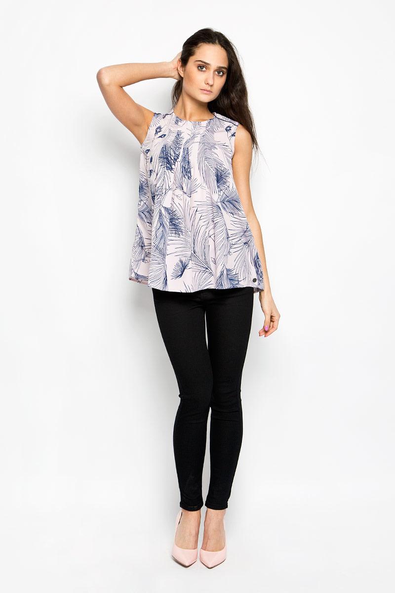 Блузка женская Lee Cooper, цвет: розовый, синий. DOVA4006. Размер XS (40)DOVA4006Очаровательная женская блузка Lee Cooper, выполненная из струящегося легкого материала, подчеркнет ваш уникальный стиль и поможет создать оригинальный женственный образ. Модная блузка в виде трапеции с круглым вырезом горловины оформлена декоративными складками на линии плеча и на верхней части спинки. Застегивается модель на металлическую застежку-молнию, расположенную на спинке.Легкая блузка идеально подойдет для жарких летних дней. Такая блузка будет дарить вам комфорт в течение всего дня и послужит замечательным дополнением к вашему гардеробу.