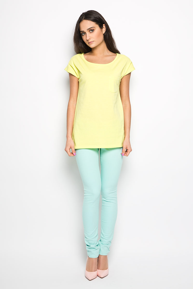 Футболка женская Sela, цвет: неоновый желтый. Ts-111/935-6183. Размер S (44)Ts-111/935-6183Стильная женская футболка Sela актуального фасона, выполненная из хлопка и полиэстера, будет отлично на вас смотреться. Модель с круглым вырезом горловины и короткими рукавами дополнена накладным карманом. Классический покрой, лаконичный дизайн, безукоризненное качество. Идеальный вариант для тех, кто ценит комфорт и практичность.