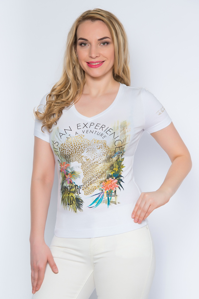 Футболка женская BeGood, цвет: белый. SS16-BGUZ-496. Размер 54SS16-BGUZ-496Стильная женская футболка BeGood изготовлена из эластичного хлопка.Приталенная модель с короткими рукавами и V-образным вырезом горловины оформлена оригинальным цветочным принтом.