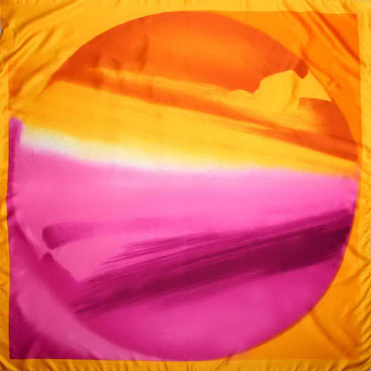 Платок женский Venera, цвет: желтый, оранжевый, розовый. 3906733-22. Размер 90 см х 90 см3906733-22Стильный женский платок Venera станет великолепным завершением любого наряда. Платок, изготовленный из полиэстера, оформлен оригинальным принтом. Классическая квадратная форма позволяет носить платок на шее, украшать им прическу или декорировать сумочку. Легкий и приятный на ощупь платок поможет вам создать изысканный женственный образ. Такой платок превосходно дополнит любой наряд и подчеркнет ваш неповторимый вкус и элегантность.