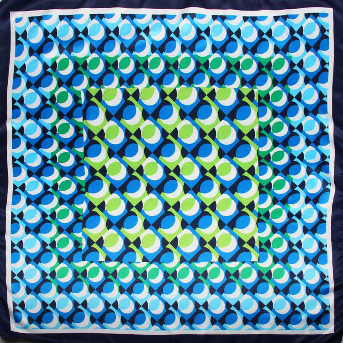 Платок женский Venera, цвет: голубой, синий, салатовый. 3915183-9. Размер 90 см х 90 см3915183-9Стильный женский платок Venera станет великолепным завершением любого наряда. Платок, изготовленный из полиэстера, оформлен оригинальным принтом. Классическая квадратная форма позволяет носить платок на шее, украшать им прическу или декорировать сумочку. Легкий и приятный на ощупь платок поможет вам создать изысканный женственный образ. Такой платок превосходно дополнит любой наряд и подчеркнет ваш неповторимый вкус и элегантность.
