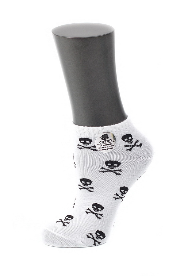 Носки женские Alla Buone, цвет: белый. CD029. Размер 23 (35-37)029CDУдобные носки Alla Buone, изготовленные из высококачественного комбинированного материала, очень мягкие и приятные на ощупь, позволяют коже дышать. Эластичная резинка плотно облегает ногу, не сдавливая ее, обеспечивая комфорт и удобство. Модель с укороченным паголенком, оформлена контрастным фантазийным рисунком черепушки. Практичные и комфортные носки великолепно подойдут к любой вашей обуви.