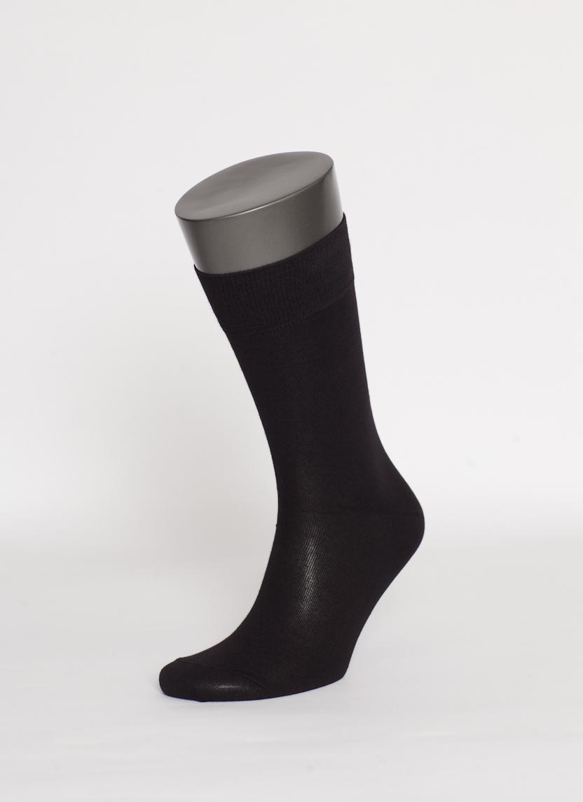 Носки мужские Uomo Fiero, цвет: черный. MS026. Размер 27 (41/43)MS026Мужские носки Uomo Fiero превосходного качества, изготовленные из высококачественного хлопкового волокна, очень мягкие и приятные на ощупь, позволяют коже дышать. Эластичная двубортная резинка плотно облегает ногу, не сдавливая ее, обеспечивая комфорт и удобство. Носки обладают повышенной прочностью, не подвержены усадке. Модель с классическим паголенком.Идеальное сочетание практичности, комфорта и элегантности!