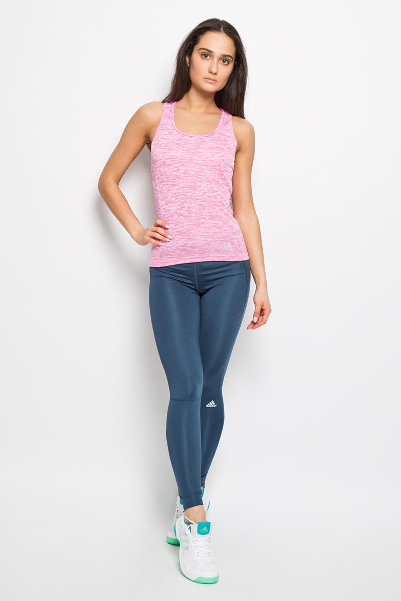 Майка для бега женская Adidas SN Fitted TNK W, цвет: розовый, белый. AI7996. Размер L (48-50)AI7996Женская майка Adidas SN Fitted TNK W прекрасно подходит для занятий спортом как в тренажерном зале, так и на беговой дорожке. Модель, выполненная из полиэстера по специальной технологии, повторяет естественные движения тела для максимально комфортной посадки и свободы движений. Майка-борцовка с глубоким круглым вырезом горловины дополнена накладным карманом сбоку. Спинка модели слегка удлинена. Изделие оформлено светоотражающим логотипом бренда.Такая модель будет дарить вам комфорт в течение всего дня и станет отличным дополнением к вашему гардеробу.