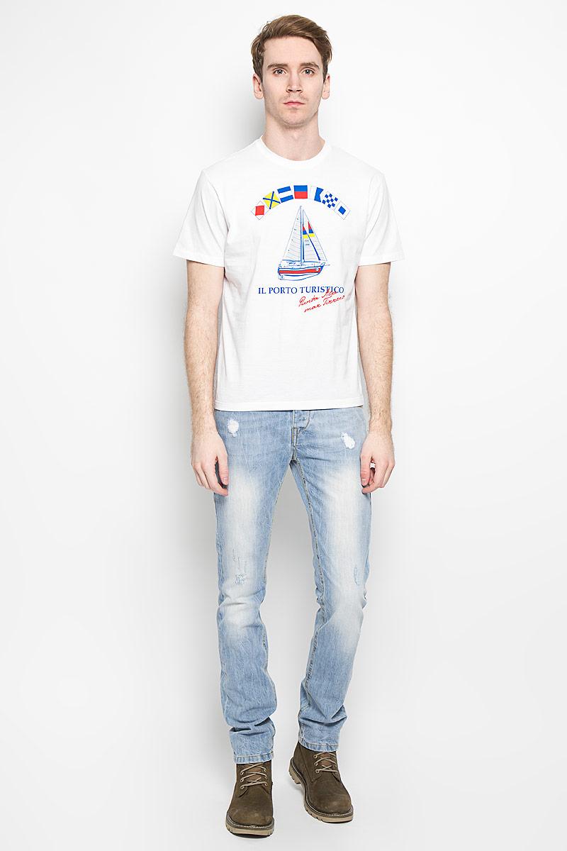 Футболка мужская F5, цвет: белый, синий, красный. 160028_02285/Ship, TR Plain, white. Размер S (46)160028_02285/Ship, TR Plain, whiteСтильная мужская футболка F5, выполненная из высококачественного мягкого хлопка, обладает высокой теплопроводностью, воздухопроницаемостью и гигроскопичностью, позволяет коже дышать.Модель с короткими рукавами и круглым вырезом горловины оформлена оригинальным рисунком и надписями. Горловина дополнена трикотажной эластичной резинкой.Эта футболка - идеальный вариант для создания эффектного образа.