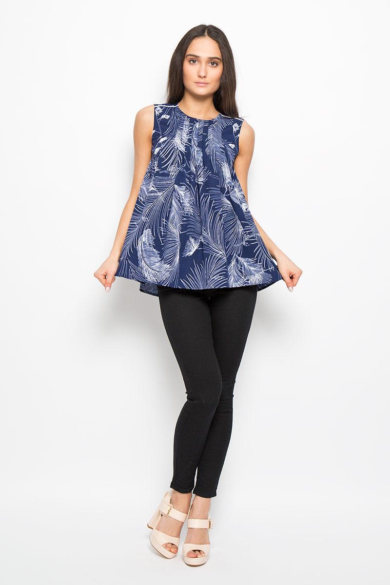 Блузка женская Lee Cooper, цвет: синий, белый. DOVA4006. Размер L (50)DOVA4006Очаровательная женская блузка Lee Cooper, выполненная из струящегося легкого материала, подчеркнет ваш уникальный стиль и поможет создать оригинальный женственный образ. Модная блузка в виде трапеции с круглым вырезом горловины оформлена декоративными складками на линии плеча и на верхней части спинки. Застегивается модель на металлическую застежку-молнию, расположенную на спинке.Легкая блузка идеально подойдет для жарких летних дней. Такая блузка будет дарить вам комфорт в течение всего дня и послужит замечательным дополнением к вашему гардеробу.