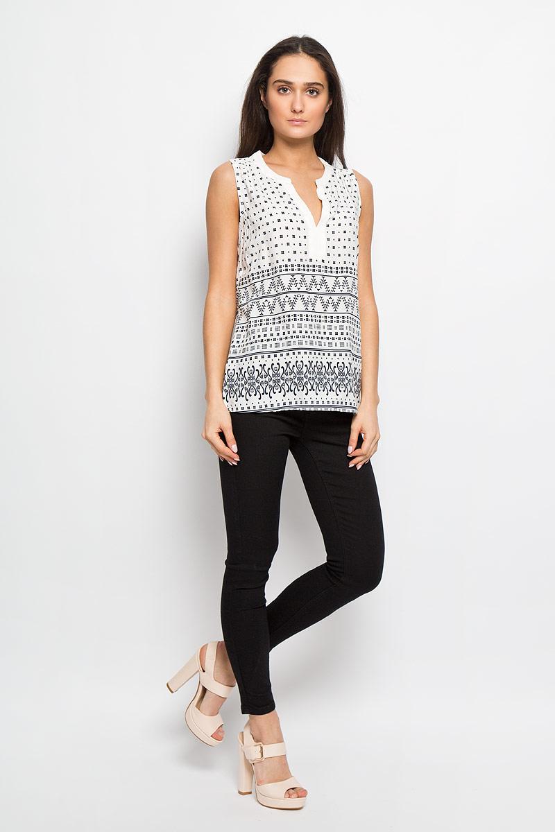 Блуза женская Sela, цвет: белый, темно-синий. Twsl-112/1012-6234. Размер 48Twsl-112/1012-6234Стильная женская блуза Sela, выполненная из 100% вискозы, подчеркнет ваш уникальный стиль и поможет создать оригинальный женственный образ. Модель с V-образным вырезом горловины, оформлена оригинальным принтом. Легкая блуза идеально подойдет для жарких летних дней. Она будет дарить вам комфорт в течение всего дня и послужит замечательным дополнением к вашему гардеробу.