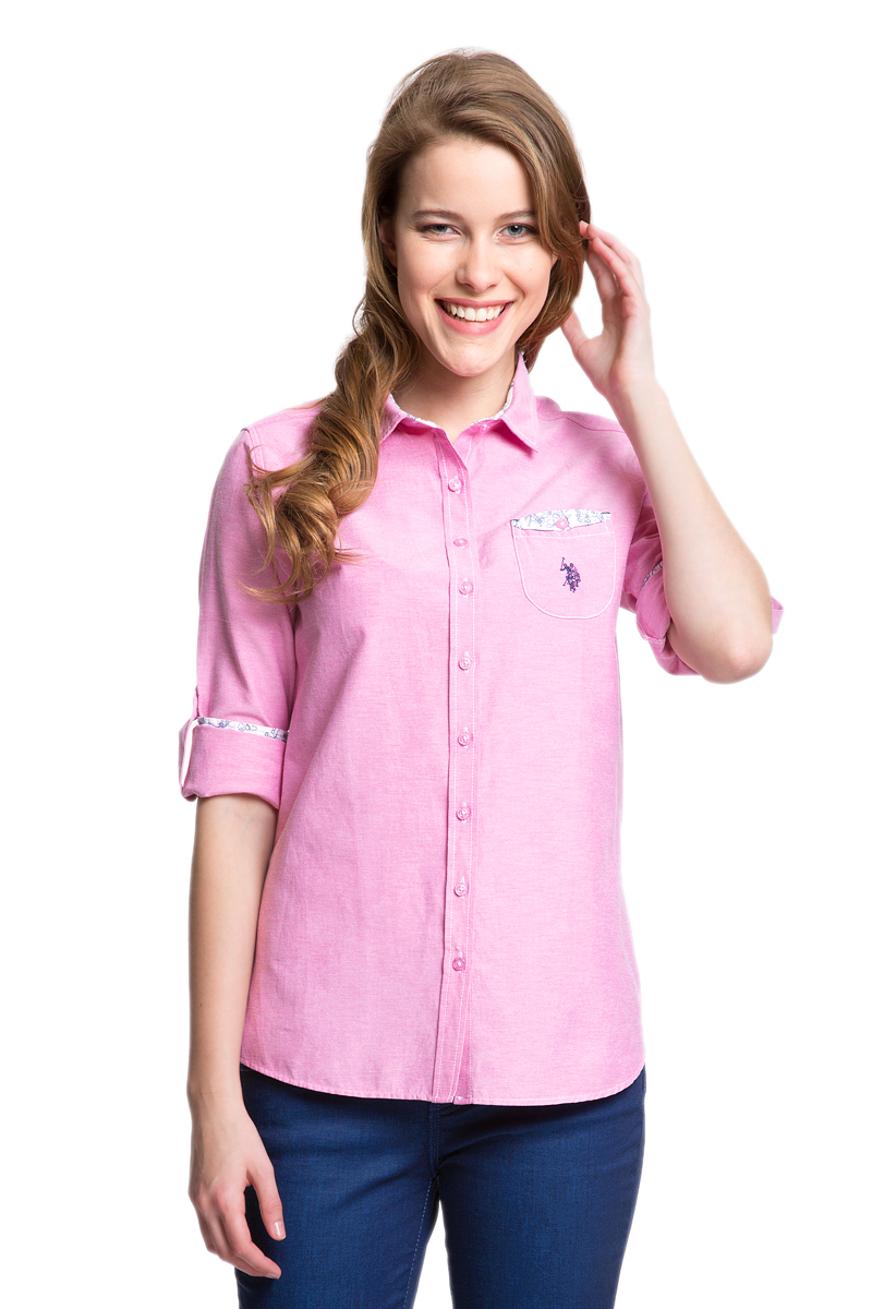 Рубашка женская U.S. Polo Assn., цвет: розовый. G082GL004HELGASASOMA_MR0180. Размер 40 (46)G082GL004HELGASASOMA_MR0180Женская рубашка U.S. Polo Assn. выполнена из хлопка с добавлением полиэстера. Модель с отложным воротником и длинными рукавами застегивается спереди на пуговицы по всей длине. Длину рукавов можно регулировать с помощью хлястиков с пуговицами. На манжетах предусмотрены застежки-пуговицы. На груди расположен накладной карман. Рубашка декорирована принтованной отделкой и вышивкой.