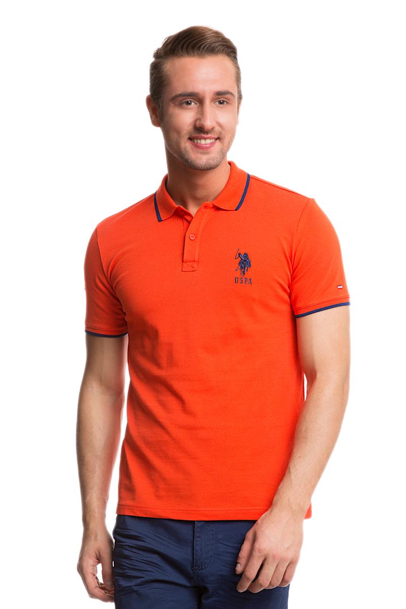 Поло мужское U.S. Polo Assn., цвет: оранжевый. G081GL0110GSD01IY6_KR0182. Размер XS (42/44)G081GL0110GSD01IY6_KR0182Стильная мужская футболка-поло U.S. Polo Assn., выполненная из высококачественного эластичного хлопка, обладает высокой теплопроводностью, воздухопроницаемостью и гигроскопичностью, позволяет коже дышать.Модель с короткими рукавами и отложным воротником - идеальный вариант для создания оригинального современного образа. Сверху футболка-поло застегивается на две пуговицы. Воротник и низ рукавов выполнены из трикотажной резинки. Модель оформлена на груди небольшой вышивкой в виде логотипа бренда.