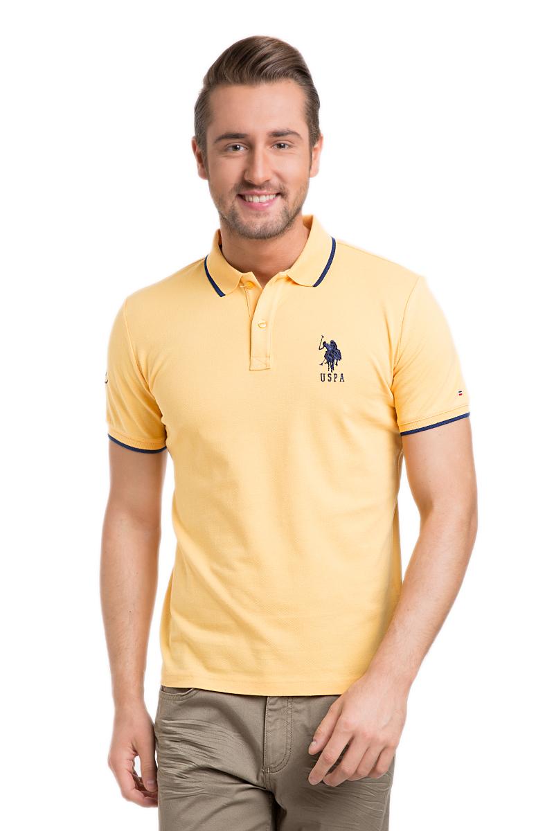 Поло мужское U.S. Polo Assn., цвет: желтый. G081GL0110GSD01IY6_TR0019. Размер M (48/50)G081GL0110GSD01IY6_TR0019Стильная мужская футболка-поло U.S. Polo Assn., выполненная из высококачественного эластичного хлопка, обладает высокой теплопроводностью, воздухопроницаемостью и гигроскопичностью, позволяет коже дышать.Модель с короткими рукавами и отложным воротником - идеальный вариант для создания оригинального современного образа. Сверху футболка-поло застегивается на две пуговицы. Воротник и низ рукавов выполнены из трикотажной резинки. Модель оформлена на груди небольшой вышивкой в виде логотипа бренда.