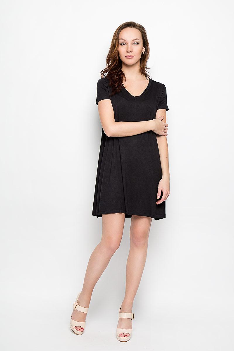 Платье Moodo, цвет: черный. L-SU-2004. Размер S (44)L-SU-2004_BlackСтильное платье Moodo, выполненное из высококачественного материала, прекрасный вариант для модниц. Ткань платья очень мягкая, тактильно приятная, не сковывает движения и хорошо пропускает воздух.Модель с V-образным вырезом горловины и короткими рукавами имеет свободный крой. Лаконичный дизайн и совершенство стиля подчеркнут вашу индивидуальность.