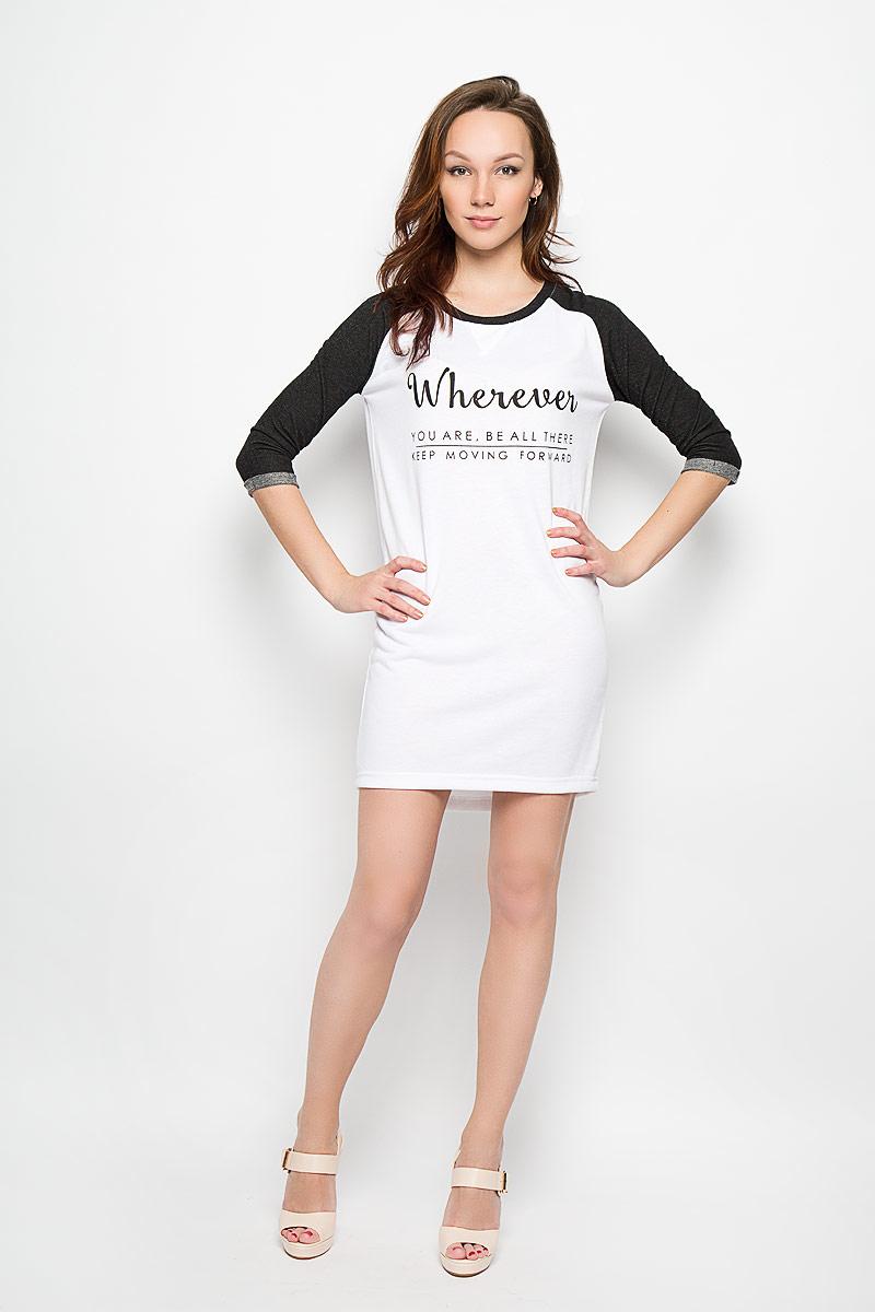 Платье Moodo, цвет: белый, черный. L-SU-2003 WHITE. Размер XL (50)L-SU-2003_WHITEМодное платье Moodo поможет создать отличный современный образ в стиле Casual. Модель, изготовленная из хлопка и вискозы, очень мягкая, тактильно приятная, не сковывает движения и позволяет коже дышать.Платье прямого кроя с круглым вырезом горловины и рукавами-реглан 3/4 оформлено спереди надписями. На рукавах предусмотрены декоративные отвороты. Спинка немного удлинена.Такое платье станет стильным дополнением к вашему гардеробу, оно подарит вам комфорт в течение всего дня!