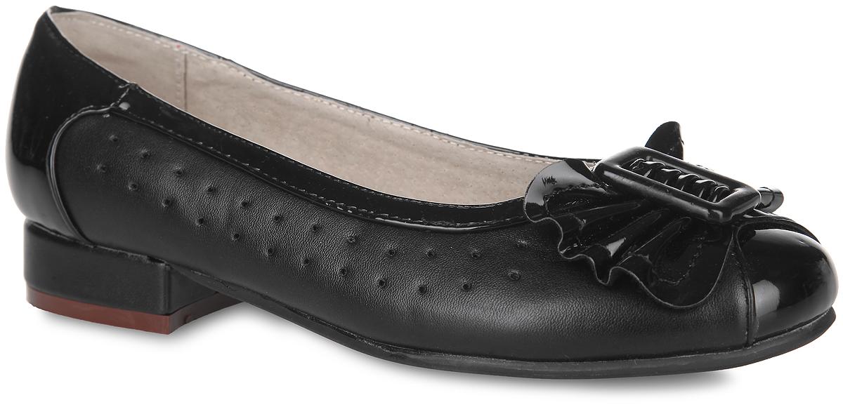 Туфли для девочки Аллигаша, цвет: черный. 13-344. Размер 3613-344Классические туфли от Аллигаша - незаменимая вещь в гардеробе каждой девочки. Модель выполнена из искусственной кожи разной фактуры и оформлена по бокам перфорацией, на мысе - роскошным бантиком и декоративным элементом прямоугольной формы. Кожаная подкладка гарантирует уют и предотвратит натирание. Стелька из ЭВА с верхней поверхностью из натуральной кожи дополнена супинатором, обеспечивающим правильное положение ноги ребенка при ходьбе и предотвращающим плоскостопие. Невысокий широкий каблук и подошва оснащены рифлением для лучшего сцепления с поверхностями. Элегантные туфли внесут изысканные нотки в образ вашей маленькой модницы.