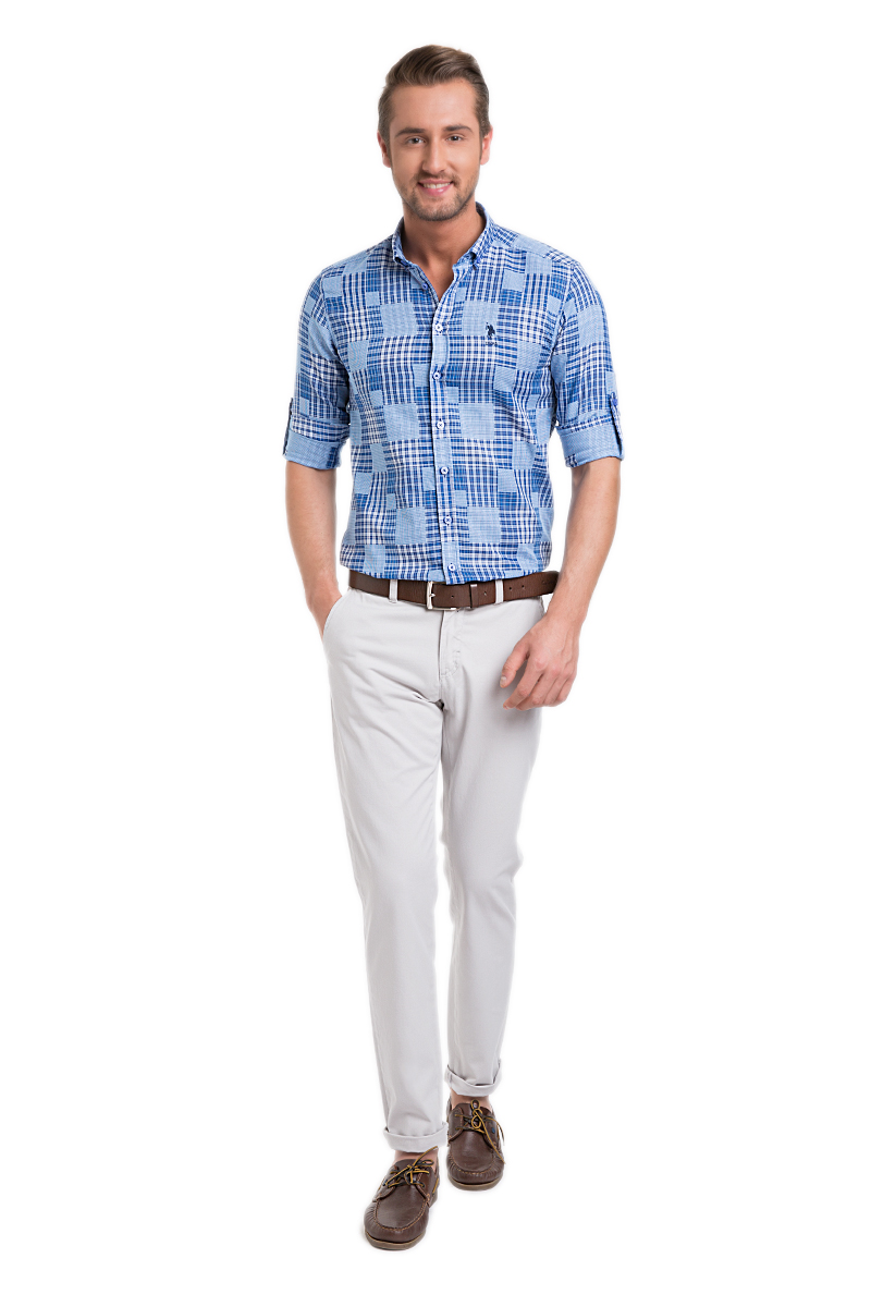 Брюки мужские U.S. Polo Assn., цвет: светло-серый. G081SZ078PARISKR016Y-ING_VR024. Размер 28 (44)G081SZ078PARISKR016Y-ING_VR024Стильные мужские брюки U.S. Polo Assn. великолепно подойдут для повседневной носки и помогут вам создать незабываемый современный образ. Классическая модель прямого кроя и стандартной посадки изготовлена из натурального хлопка, благодаря чему великолепно пропускает воздух, обладает высокой гигроскопичностью и превосходно сидит. Брюки застегиваются на ширинку на застежке-молнии, а также пуговицу на поясе. На поясе расположены шлевки для ремня. Брюки оснащены двумя втачными карманами, и двумя втачными карманами на пуговицах сзади.Эти модные и в тоже время удобные брюки станут великолепным дополнением к вашему гардеробу. В них вы всегда будете чувствовать себя уверенно и комфортно.