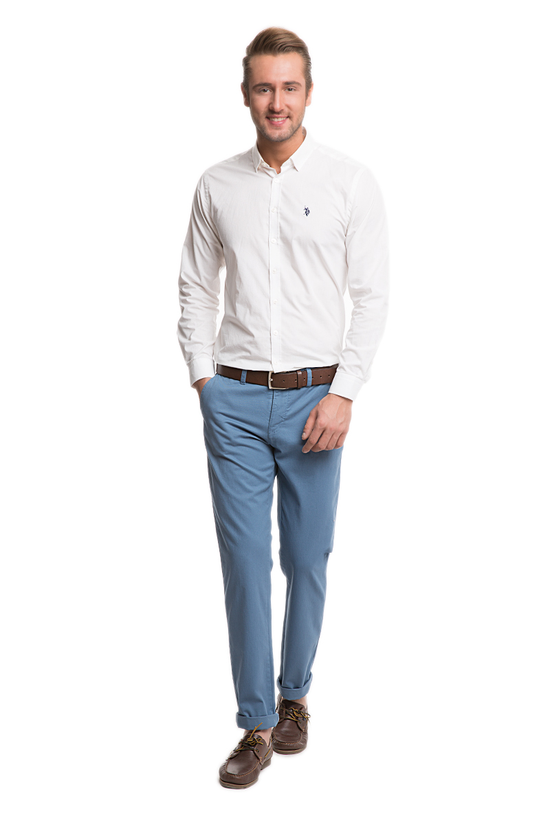 Брюки мужские U.S. Polo Assn., цвет: голубой. G081SZ078PARISKR016Y-ING_VR028. Размер 29 (44/46)G081SZ078PARISKR016Y-ING_VR028Стильные мужские брюки U.S. Polo Assn. великолепно подойдут для повседневной носки и помогут вам создать незабываемый современный образ. Классическая модель прямого кроя и стандартной посадки изготовлена из натурального хлопка, благодаря чему великолепно пропускает воздух, обладает высокой гигроскопичностью и превосходно сидит. Брюки застегиваются на ширинку на застежке-молнии, а также пуговицу на поясе. На поясе расположены шлевки для ремня. Брюки оснащены двумя втачными карманами, и двумя втачными карманами на пуговицах сзади.Эти модные и в тоже время удобные брюки станут великолепным дополнением к вашему гардеробу. В них вы всегда будете чувствовать себя уверенно и комфортно.