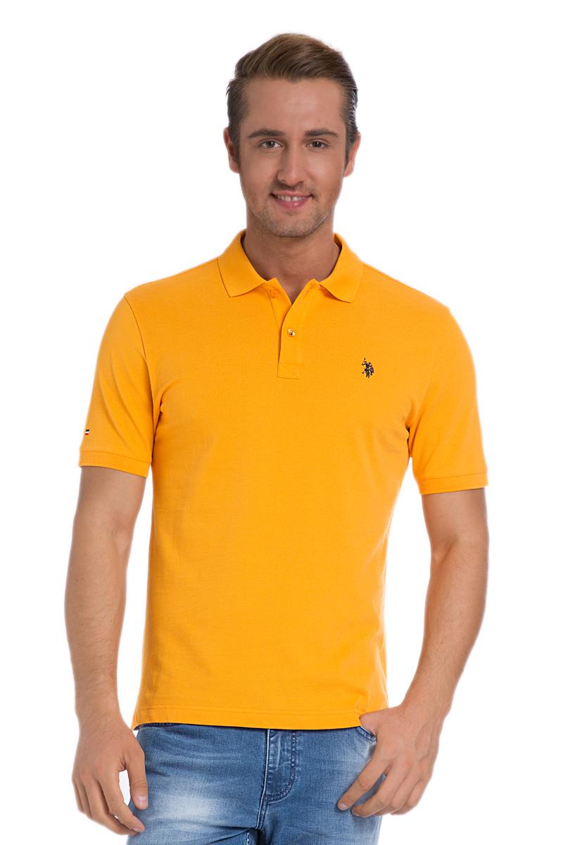 Поло мужское U.S. Polo Assn., цвет: ярко-оранжевый. G081SZ0110TP03IY6_TR0028. Размер S (44/46)G081SZ0110TP03IY6_TR0028Стильная мужская футболка-поло U.S. Polo Assn., выполненная из натурального хлопка, обладает высокой теплопроводностью, воздухопроницаемостью и гигроскопичностью, позволяет коже дышать.Модель с короткими рукавами и отложным воротником - идеальный вариант для создания оригинального современного образа. Сверху футболка-поло застегивается на две пуговицы. Воротник и низ рукавов выполнены из трикотажной резинки. Модель оформлена на груди небольшой вышивкой. Снизу по бокам имеются небольшие разрезы.