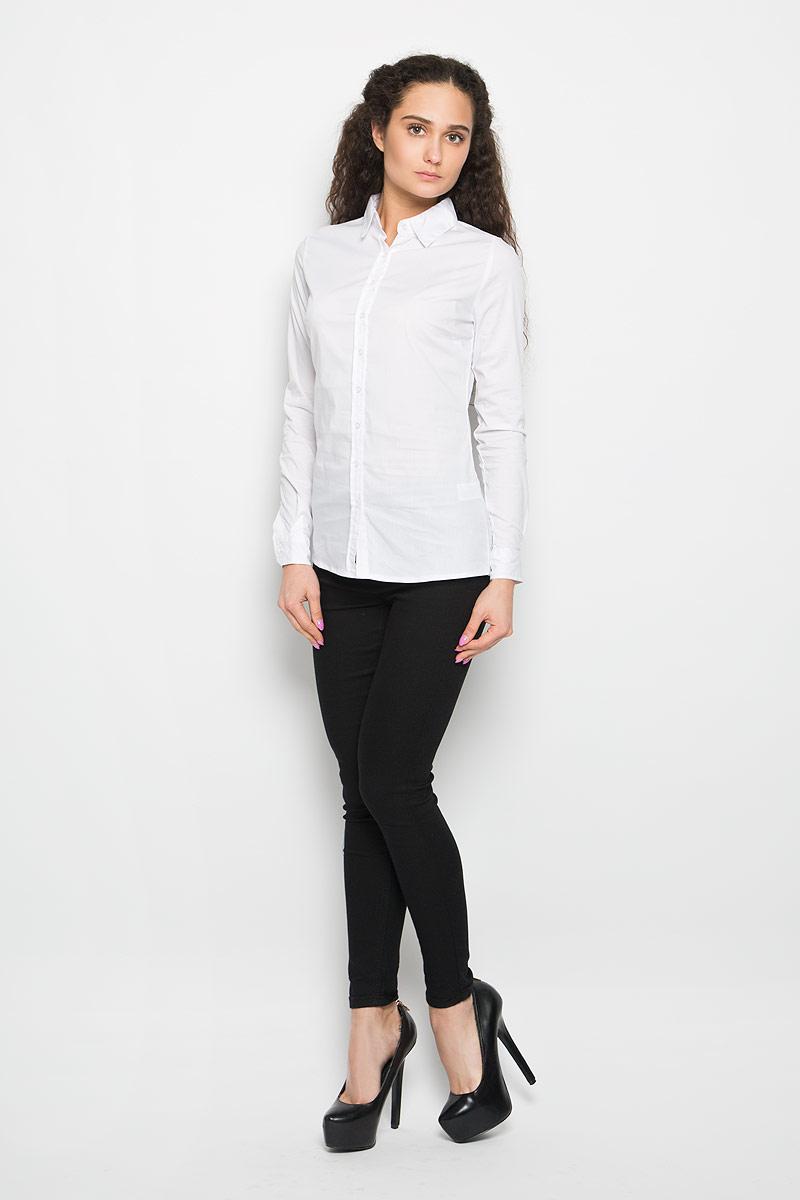 Рубашка женская Moodo, цвет: белый. L-KO-2011 WHITE. Размер XS (42)L-KO-2011_WHITEСтильная женская рубашка Moodo выполнена из хлопка и нейлона с добавлением эластана. Модель мягкая, тактильно приятная, не сковывает движения и хорошо пропускает воздух. Модель классического кроя с отложным воротником застегивается на пуговицы. Длинные рукава рубашки дополнены манжетами на пуговицах.Такая рубашка подчеркнет ваш вкус и поможет создать великолепный стильный образ.