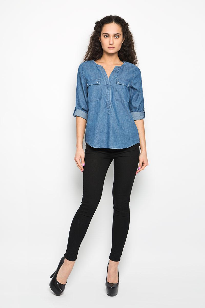 Блузка женская Moodo, цвет: синий. L-KO-2014 NAVY. Размер M (46)L-KO-2014_NAVYСтильная женская блузка Moodo, выполненная из высококачественного легкого хлопка, подчеркнет ваш уникальный стиль.Блузка свободного кроя с рукавами до локтя и круглым вырезом горловины поможет вам создать неповторимый образ. Изделие застегивается на пуговицы до середины. Спинка модели немного удлинена. Рукава дополнены хлястиками на кнопках, с помощью которых можно сделать рукава короче. Блузка имеет два накладных кармана с клапанами на кнопках. Такая блузка будет дарить вам комфорт в течение всего дня и послужит замечательным дополнением к вашему гардеробу.
