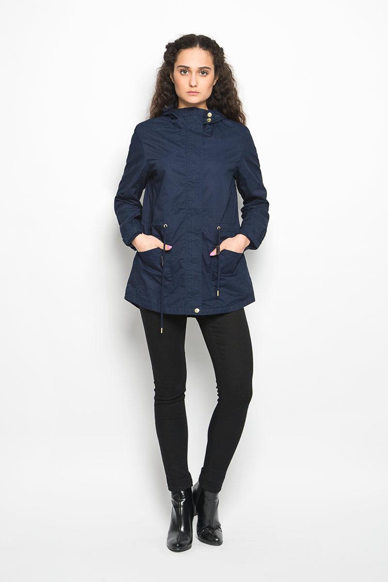 Куртка женская Moodo, цвет: темно-синий. L-KU-2000 NAVY. Размер L (48)L-KU-2000_NAVYСтильная женская куртка Moodo, изготовленная из натурального хлопка на подкладке из полиэстера, легкая и комфортная, прекрасно подойдет для прогулок в прохладное время года.Модель с длинными рукавами и капюшоном застегивается на застежку-молнию и ветрозащитной планкой на кнопках. Капюшон дополнен кулиской. Модель дополнена двумя накладными карманами с клапанами и кулиской по линии талии. Низ рукава дополнен хлястиком на липучке, за счет которого можно регулировать его объем. Спинка немного удлинена.Такая куртка отлично дополнит ваш образ и позволит выделиться из толпы.