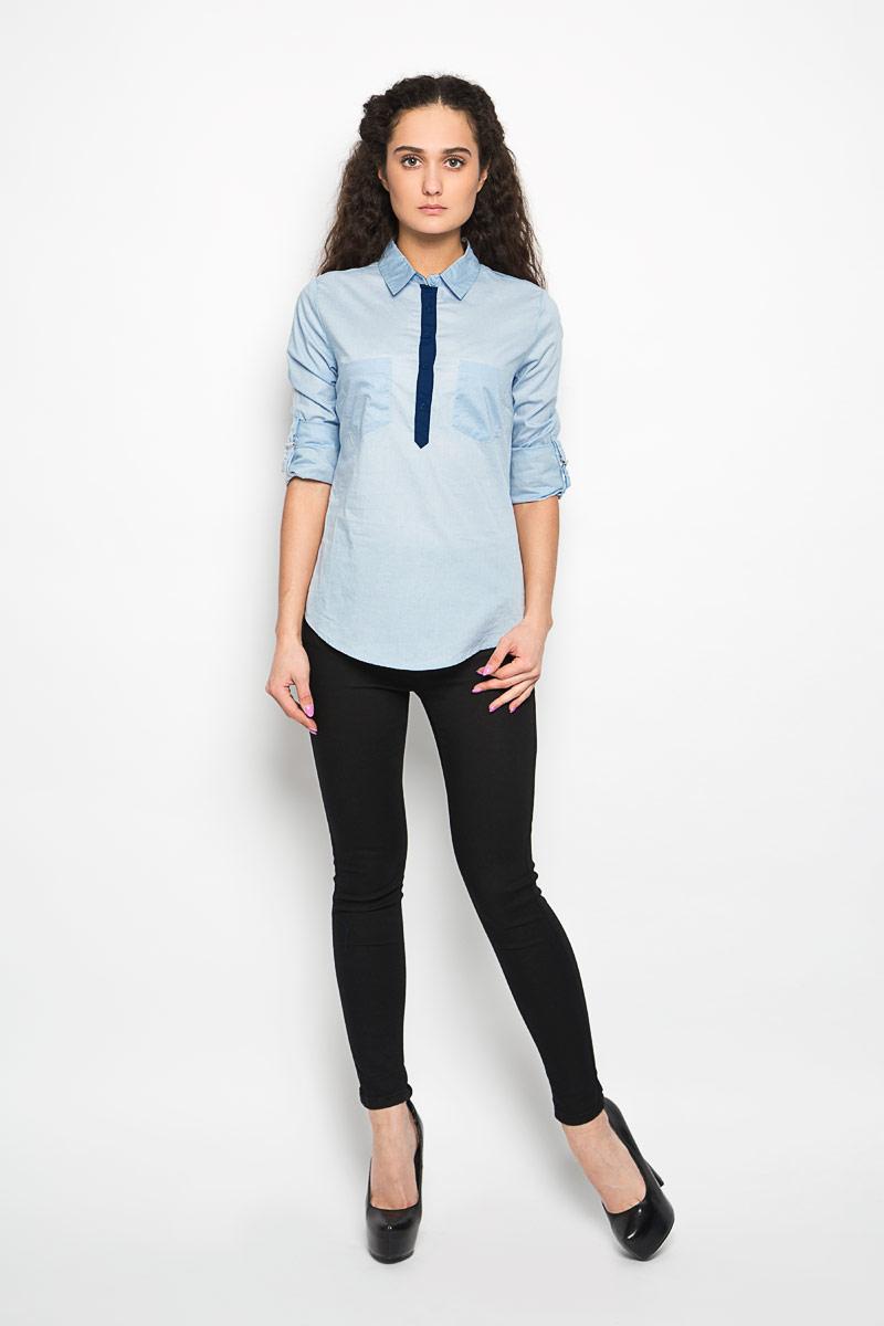 Рубашка женская Moodo, цвет: голубой. L-KO-2013 L.BLUE. Размер L (48)L-KO-2013_L.BLUEСтильная женская рубашка Moodo, выполненная из хлопка с добавлением эластана, прекрасно подойдет для повседневной носки. Материал очень мягкий и приятный на ощупь, не сковывает движения и позволяет коже дышать.Рубашка приталенного кроя с отложным воротником и длинными рукавами застегивается на пуговицы в верхней части. На груди модели предусмотрены два накладных кармана. Рукава можно регулировать по длине за счет хлястиков с небольшими фиксаторами. Низ рукавов обработан манжетами, которые застегиваются на пуговицы.Такая рубашка будет дарить вам комфорт в течение всего дня и станет модным дополнением к вашему гардеробу.